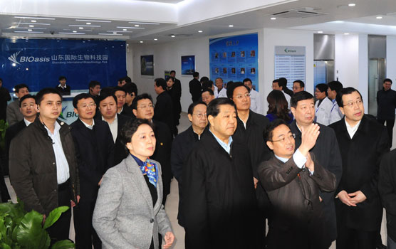 CPPCC Chairman Jia Qinglin visited the Park